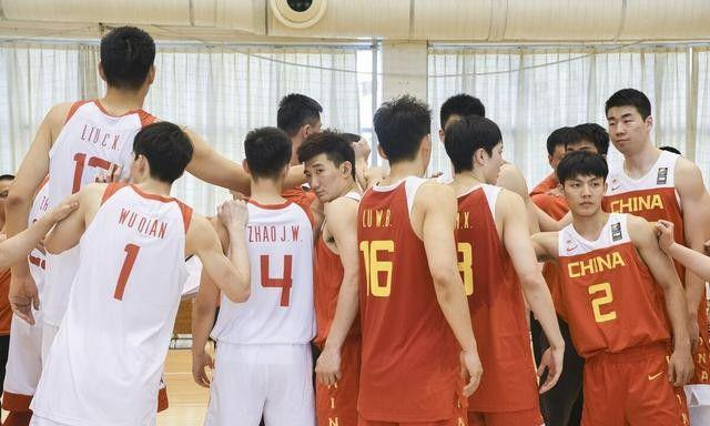 男篮公布14人大名单 仅3人征战过男篮世界杯