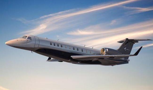梅西私人飞机因故障紧急降落 机上乘客信息未知