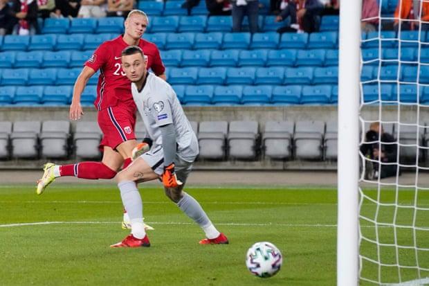 世预赛-哈兰德进球 中场悍将救主 荷兰1比1平挪威!