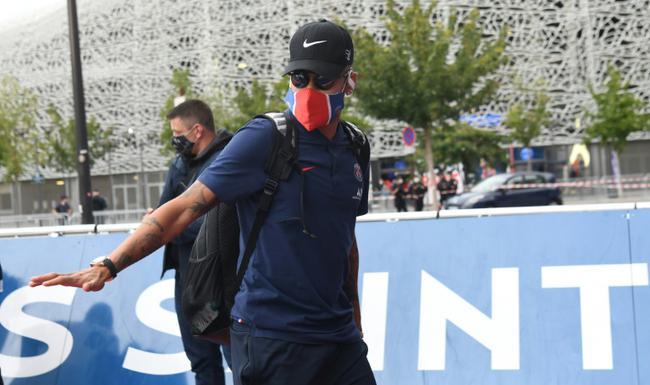 警方禁止球迷聚集迎接巴黎队员 此前拘留超150人