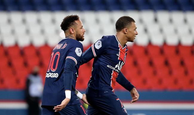 2020/21赛季巴黎客场4-0昂热巴黎6