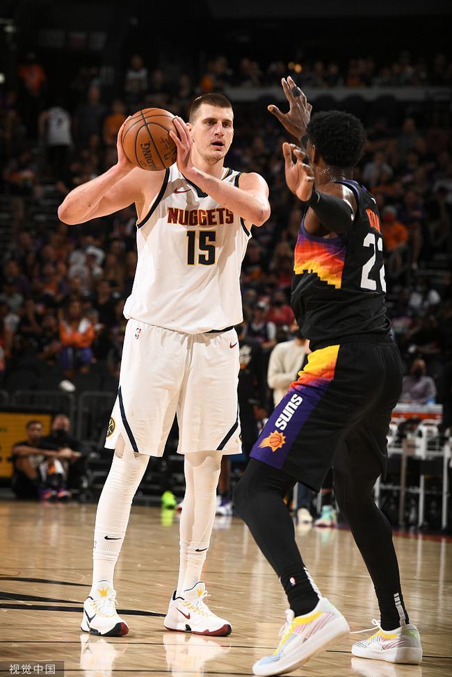 NBA史上最大合约!新科MVP明夏能续2.41亿顶薪