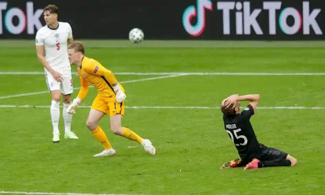 穆勒跟欧洲杯八字不合!伊瓜因附体难破零球记录