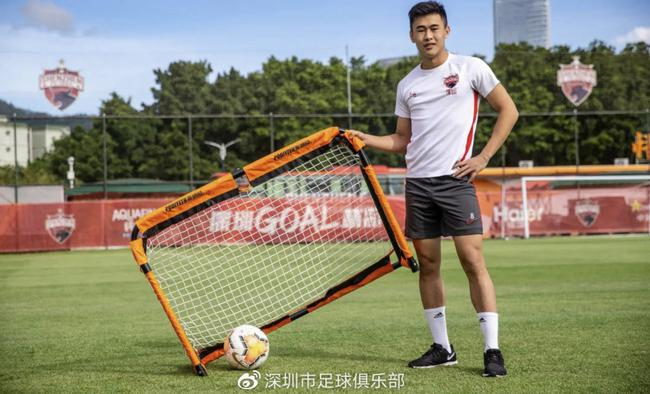 戴伟浚从小谨记家父教导:留洋不是玩 要踢职业