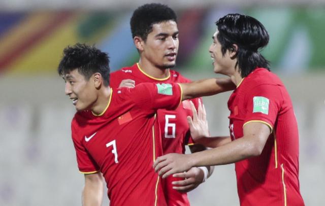 记者:期盼国足对阵沙特 因为完事国脚终于可以回国了!