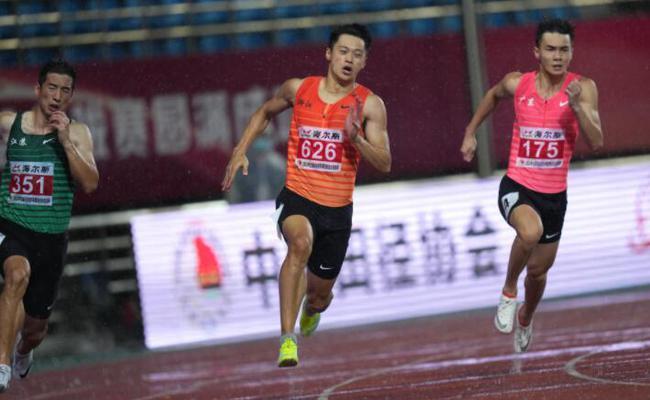 谢震业战绩被糟糕天气耽误 请相信他的200米能力!