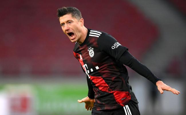 德甲-莱万反超+中柱 科曼传射 拜仁客场3-1逆转