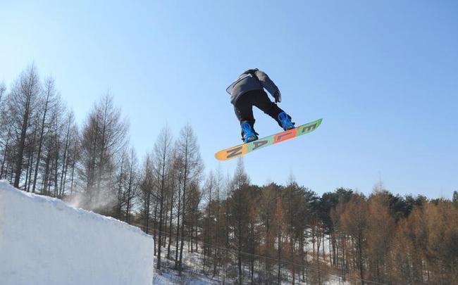 单板滑雪U型场地