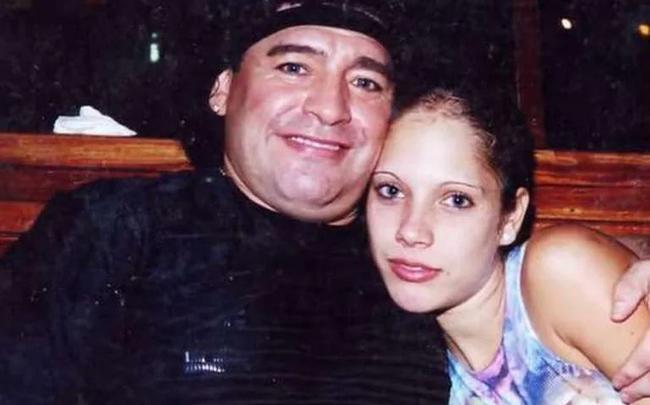 英国媒体:马拉多纳涉嫌非法买卖囚禁少女 还教唆吸毒!