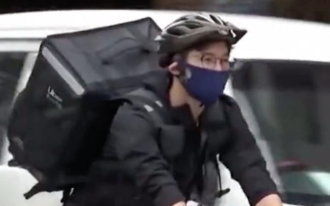 日本奥运击剑亚军——外卖小哥