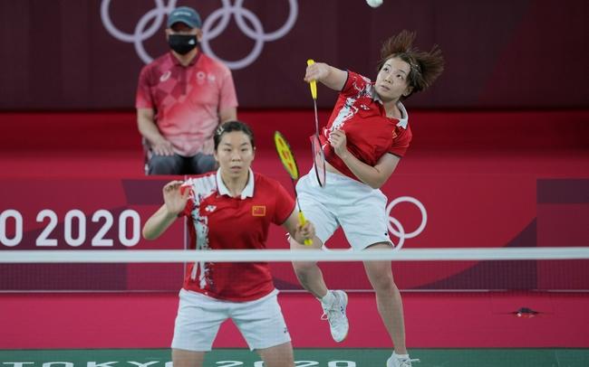 女双陈清晨/贾一凡0-2不敌印尼组合 中国羽毛球队女双摘银!