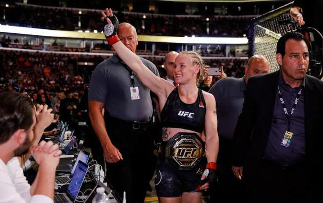 现任UFC女子蝇量级冠军瓦伦缇娜-舍甫琴科