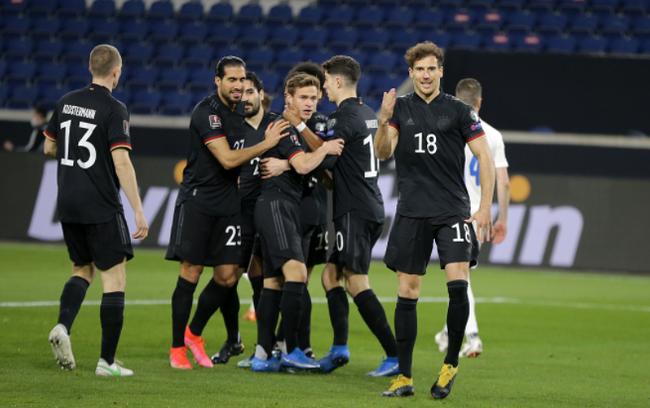 德国3-0完胜冰岛