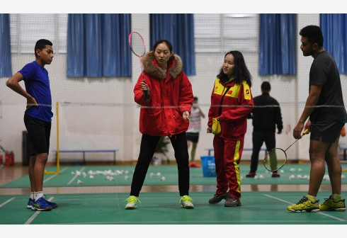 汤添在华集训羽毛球队:期待升迁球技更添进友谊