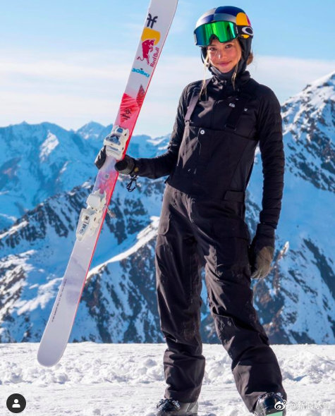 谷爱凌赛季首秀!自由式滑雪世界杯坡面障碍摘铜