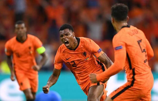 欧洲杯-巴黎新援进球 荷兰2球领先3-2绝杀乌克兰