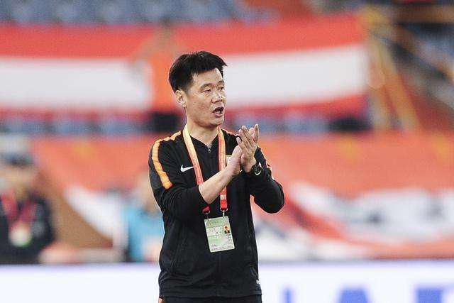 鲁能铁腰成中场重要选择 李霄鹏新赛季期待新突破