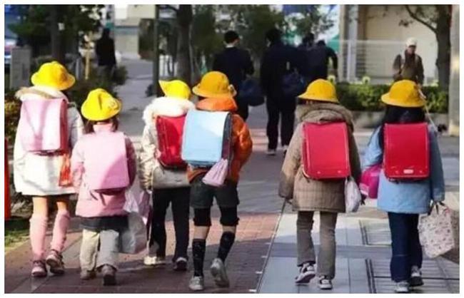 玩手機缺乏運動 日本小學五年級男生體力跌至新低