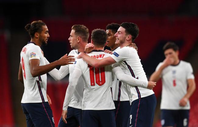 英格兰初次战胜世界杯排名第一的足球队