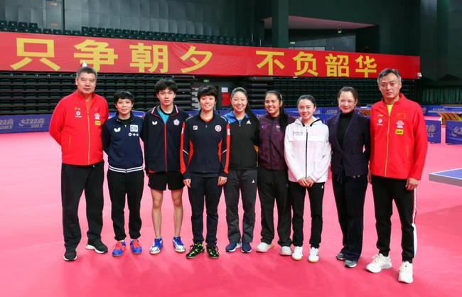 林昀儒谈跟国乒一同训练 强度高很累但是很高兴