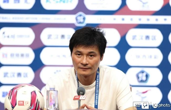 李毅:场地导致优势全无 球队和我都在成长