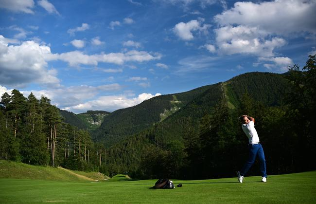 艾达玛思塔高尔夫俱笑部专门有特色