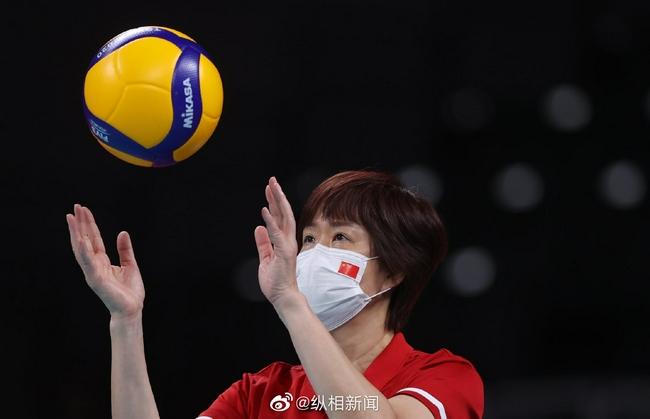 郎平坦言东京奥运留遗憾 但排球生涯很满足很幸福