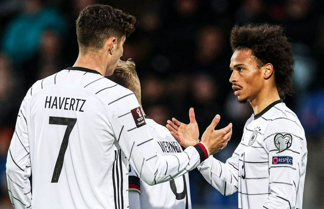 世预赛-萨内传射 格纳布里维尔纳进球 德国4比0战胜冰岛队!