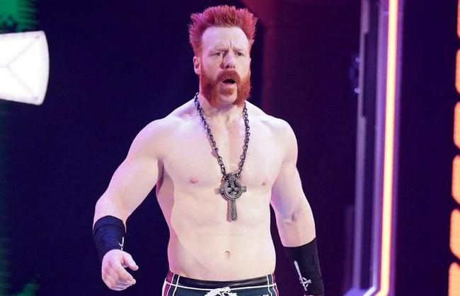 WWE大佬:C罗太软了只会假摔 我5秒能击倒他!