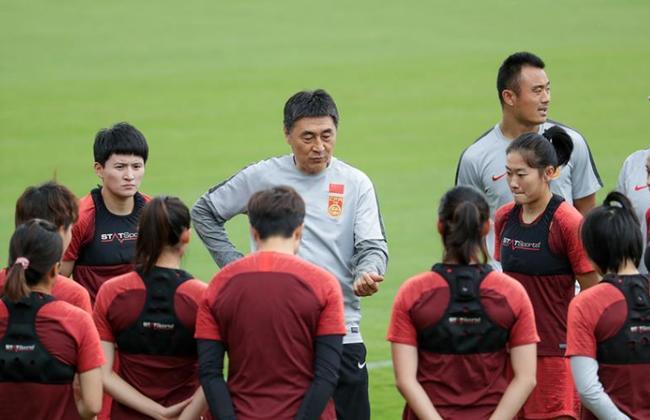 京媒:女足需迅速进入比赛
