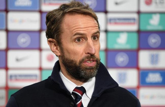 英格兰欧洲杯33人初选名单:3张新面孔 热刺双星落选