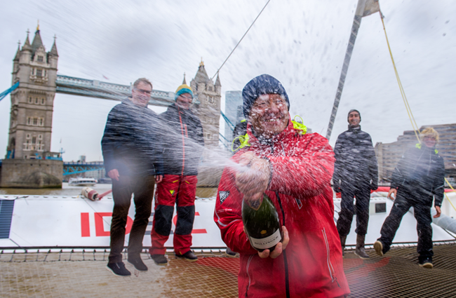 从中国到伦敦 法国航海家茹瓦永破世界航海纪录