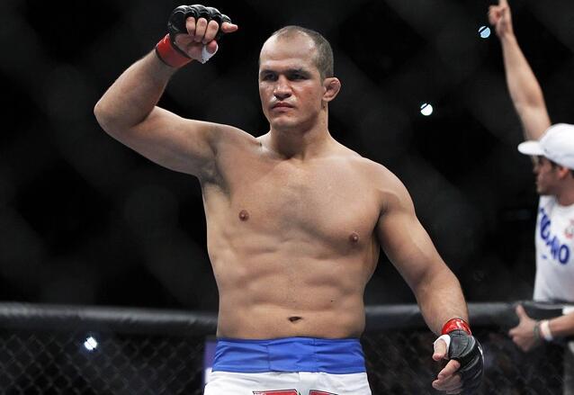 前UFC重量级冠军多斯-桑托斯