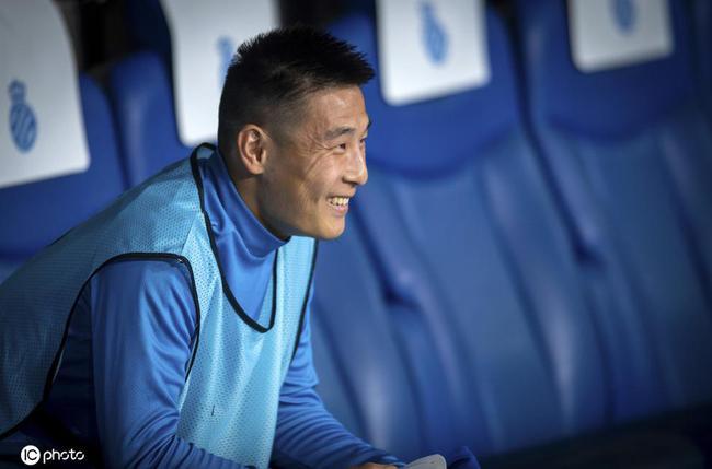 记者分析为何中国球员不愿留洋:薪水严重内外倒挂