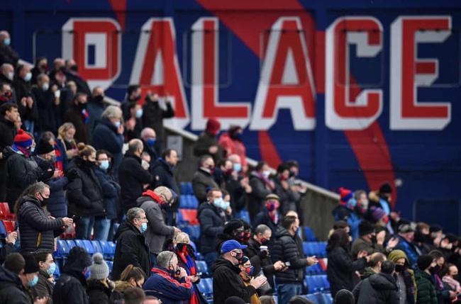 约2000名球迷观战