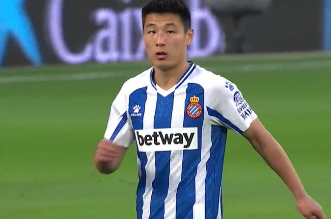 武磊撞门将险受伤 西人2-0抢先遭反转失榜首