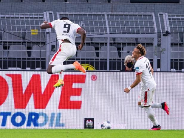 主场0-2负美因茨 莱比锡被追2球主场平