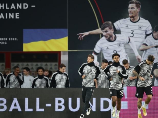 萨内追平维尔纳2球磁卡2助 德国3-1登第一