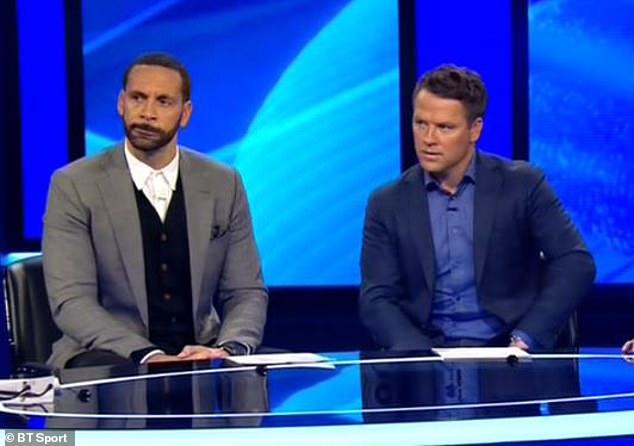 费迪南德(左)和欧文(右)都认为金彭贝不算手球
