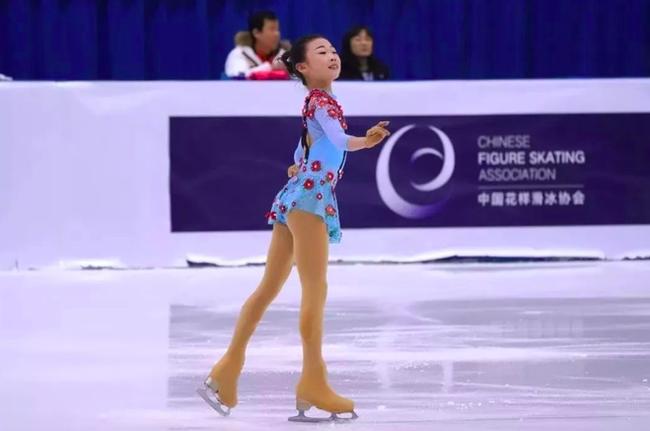 亚洲花样滑冰公开赛中国收获五冠 安香怡女单折桂