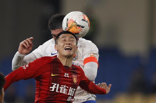 记者:中国足协认定 费莱尼头球绝杀是好球