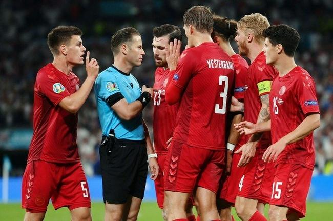 丹麦球员:这比赛就是狗屎  那根本不是点球