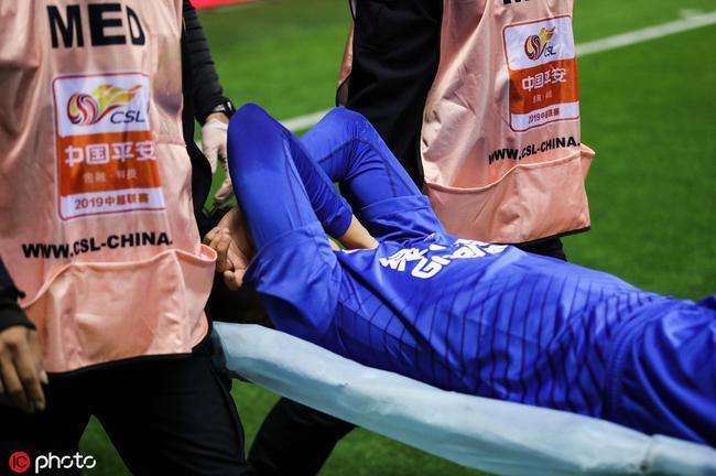申花通报蒋圣龙伤情:右膝内外韧带损伤 明日确认