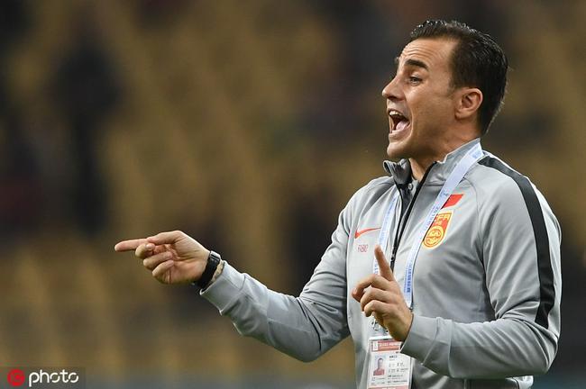 卡帅宣布放弃国足主教练职位:全部精力放在恒大