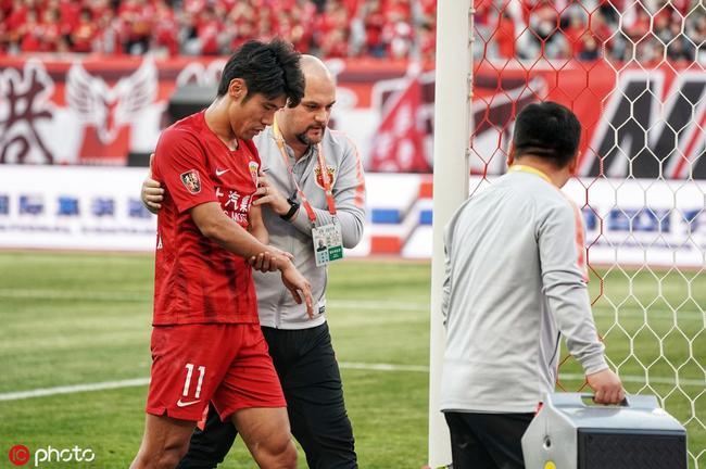 央视:吕文君被撞伤是重大意外 李圣龙基本功扎实