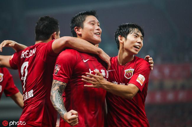 足球报评中超最佳:上港无愧终结者 教练球员都抢眼