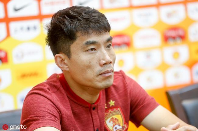 郑智:国家队需要定会义无反顾 帮助队员进行磨合