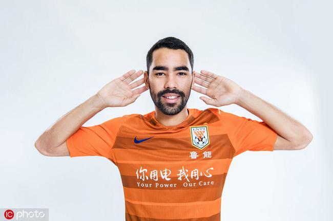 德尔加多是非华裔球员归化首人 埃神小摩托可借鉴