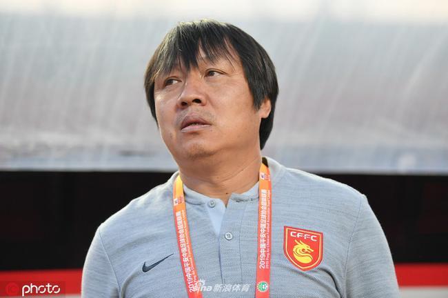 谢峰:李铁提升了卓尔的防守能力 拿下比赛改变战局