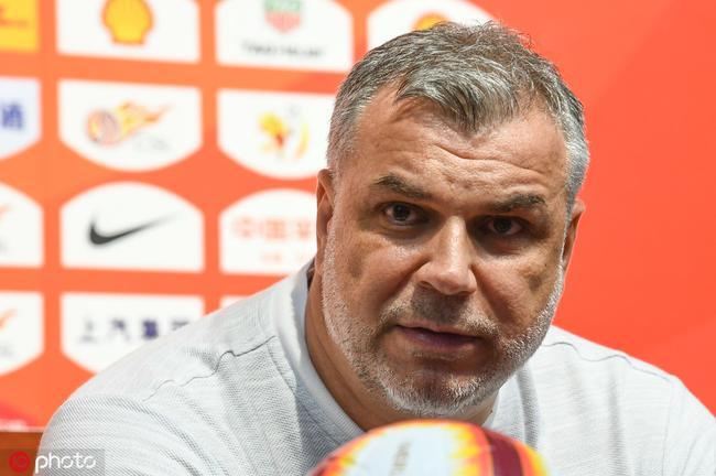 奥拉罗尤:苏宁球员要相信自己 尽力度过艰难时刻
